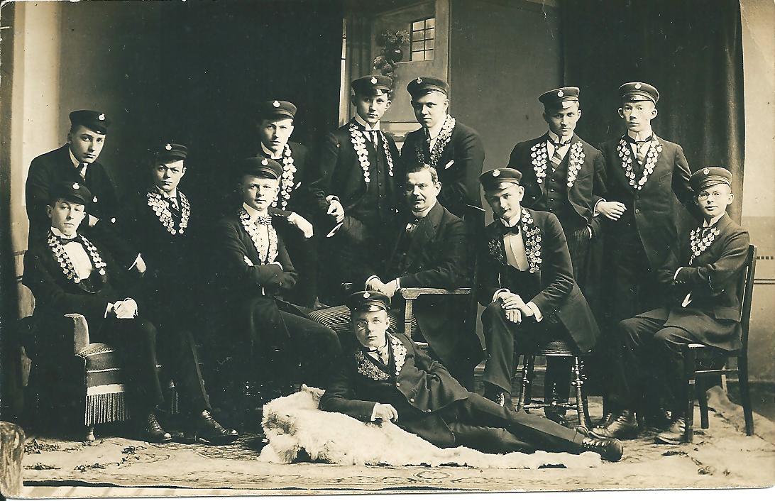 1924-001.jpg